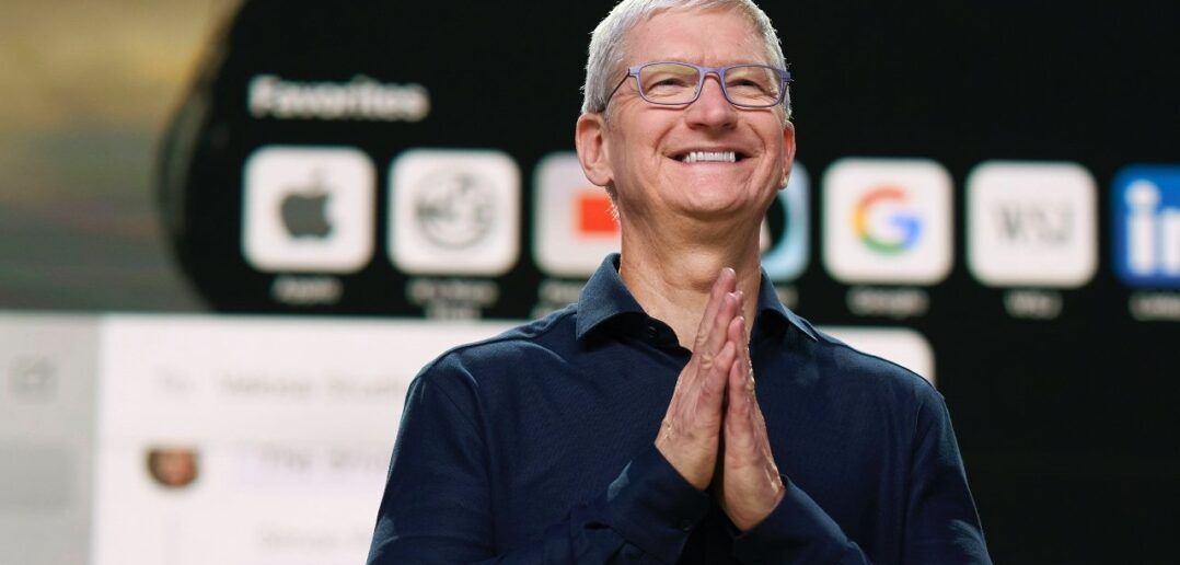 Tim Cook 10 rocznica w Apple